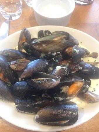 Irvins Brasserie: Mussels