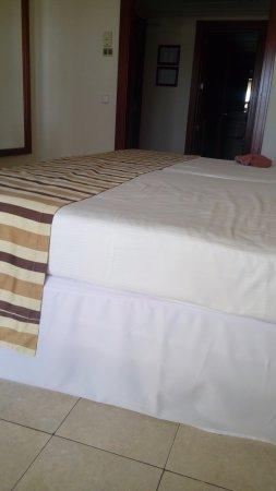 Hotel Riu Vallarta: habitacion para 3 personas con dos camas matrimoniales undas