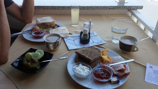 Hotel Adria: Breakfast
