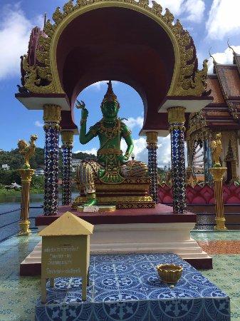 Wat Plai Laem: Uma variação do Buda - verde