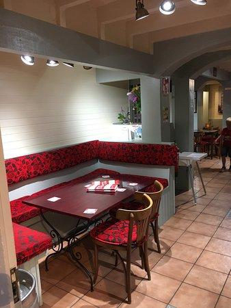 Restaurante pub delfin en calp con cocina otras cocinas for Cocinas europeas