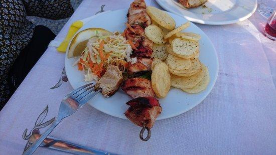 Kyra Matoula : Souvlaki Kotopolu mit Gemüse + Kartoffeln