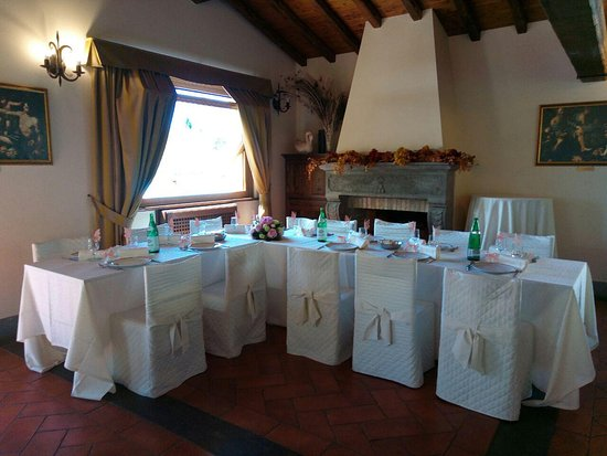 Tavoli interni arredo prima comunione foto di il postiglione campagnano di roma tripadvisor - Tavolo per prima comunione ...