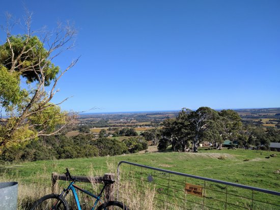 Escapegoat Adventures : View from top of Wickhams Hill Rd before decent and start of wine tasting.