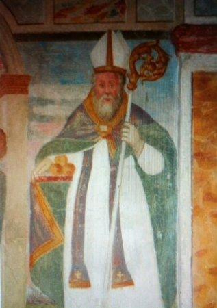Affresco  sulla parete della navata raffigurante il Santo .