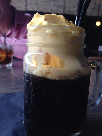 Camberley, UK: Root Beer Float - unconventional drinking flask!