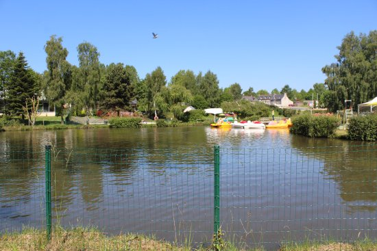 Begard, France: lac