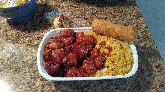 Camp Hill, بنسيلفانيا: Classic General Tso Combination Dinner! 