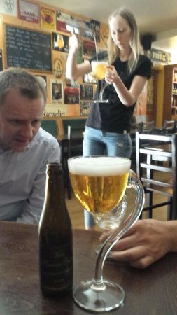 Beer Mania: Mea culpa local glases and local beer - try it
