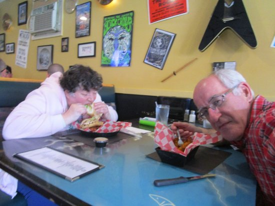 West Warwick, RI: Louis and I eating our meals at Boneheads.