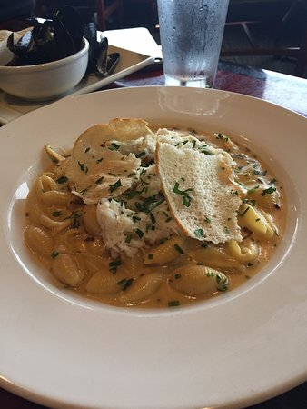 Shilo Inn Suites Hotel - Seaside Oceanfront: crab mac and cheese