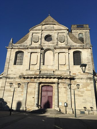 Vesoul, France: eglise