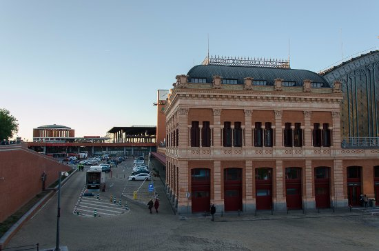 how to go from madrid airport to atocha train station