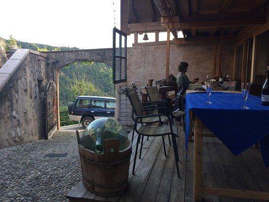 Castel vasio bewertungen fotos fondo trentino for Castel vasio