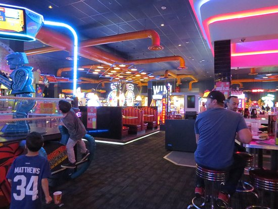 dave and busters vaughan canada top tips before you go. Black Bedroom Furniture Sets. Home Design Ideas