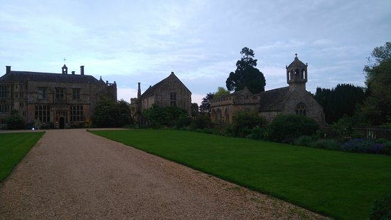 Brympton, UK: May time evening reception
