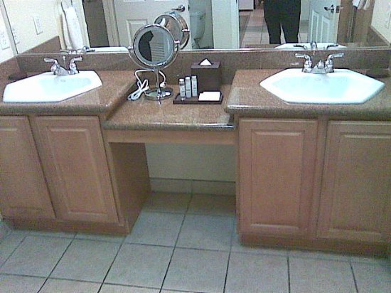Tahiti Vacation Club: and a Double sink !