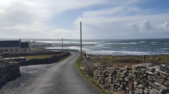 The Cliffs of Moher Retreat: Road to the beach