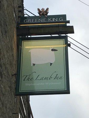Shipton under Wychwood, UK: Sign at pub entrance