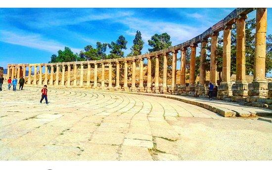 Jerash Ruins: Screenshot_2017-05-29-02-12-08-1_large.jpg