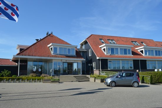 Koudum, The Netherlands: Front of Hotel