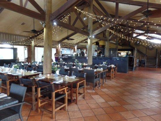 Wongaling Beach, Australia: Interior - set up for Wedding Reception