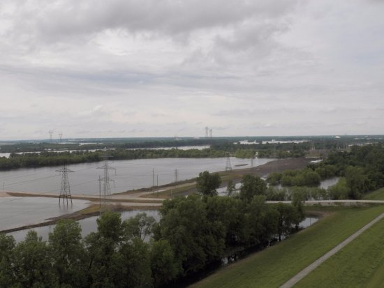 Hartford, Ιλινόις: Another view from the top- again spring flooding.