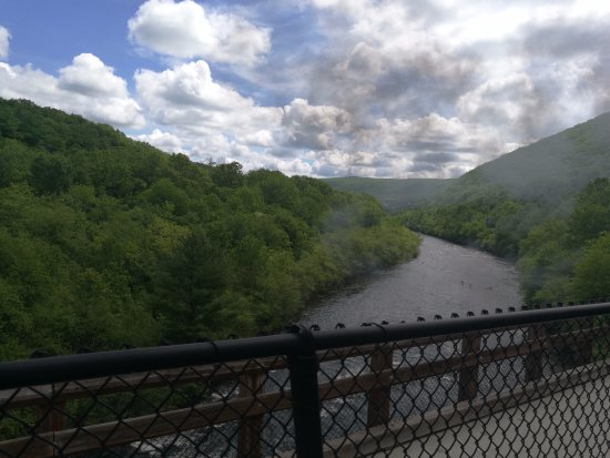 Jim Thorpe, PA: Lehigh river from train