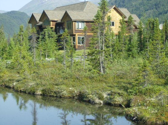 Moose Pass, AK: View of the Inn at Tern Lake from the grounds
