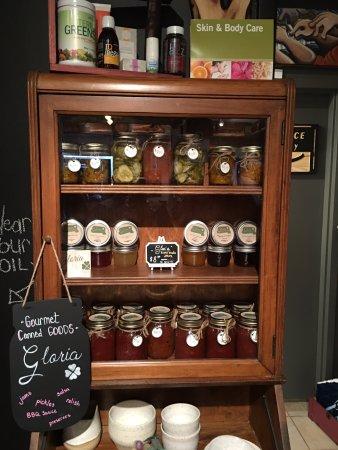 Pickering, Kanada: Local Organic Canned Food (Mmmm)