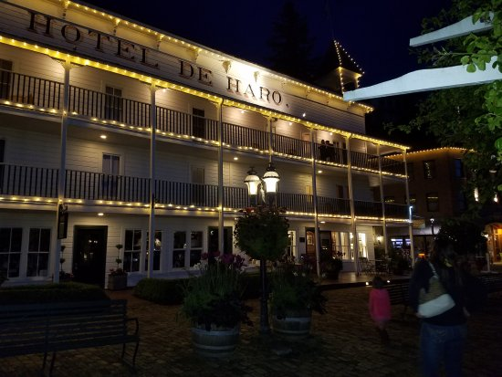 Roche Harbor Resort: 20170518_214247_large.jpg