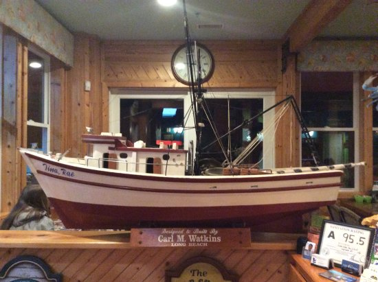 Shallotte, NC: Shrimper model decorates one of the dining areas