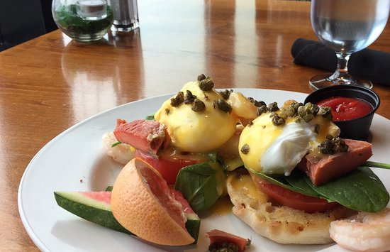 Fetch Restaurant : West Coast Eggs Benedict nicely presented!