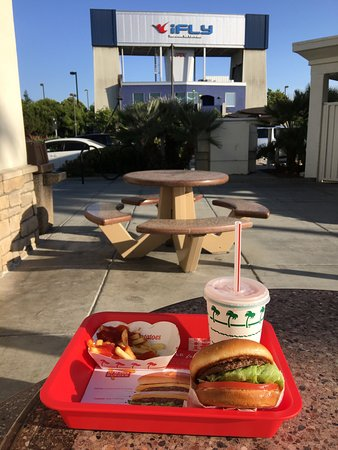 Union City, Californië: Yummy with great patio