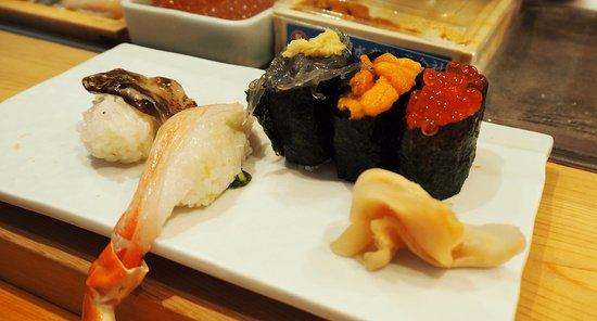 Tsukiji Sushisay Honten: Raw crab leg