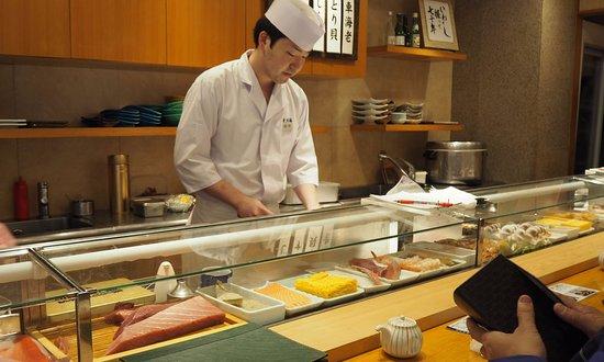 Tsukiji Sushisay Honten: sushi chef