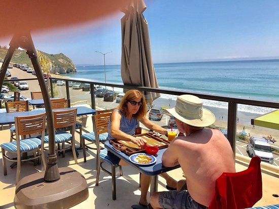 Avila Beach, CA: Avila  beach only all inclusive oceanfront hotel ,coffee bar  on  Sundeck , mid day reception ,t