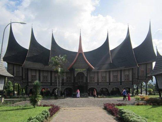 Padang Panjang, Indonesia: Pusat Dokumentasi dan Informasi Kebudayaan Minangkabau