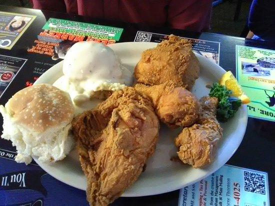 Laurie, MO: Fried Chicken Dinner 4 pc
