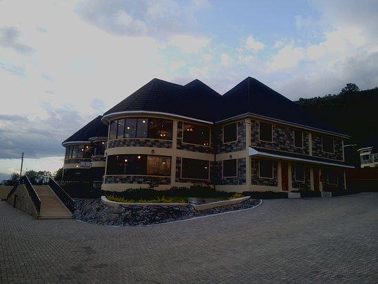 Epashikino Resort & Spa: Front View Evening