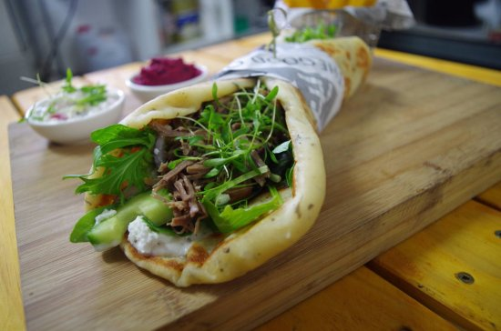 Waihi Beach, Nya Zeeland: up and personal with the Gyros