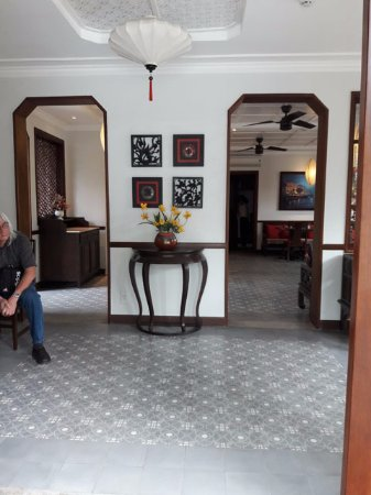 Cozy Hoi An Boutique Villas: View of entrance to dining room