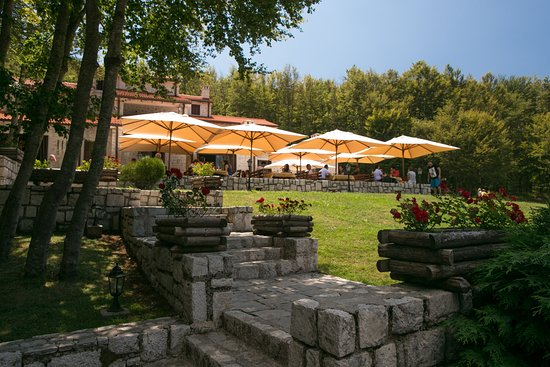 Ivanov konak cetinje restaurant bewertungen for Terrace 45 menu