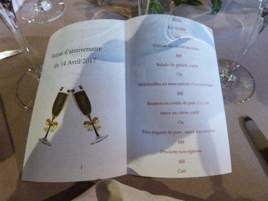 Gincla, Frankrike: Petite attention du restaurant pour la présentation du menu