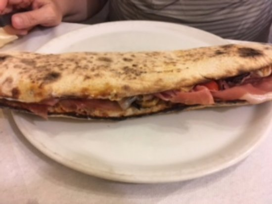 Pizzamania: Panuozzo mania intero
