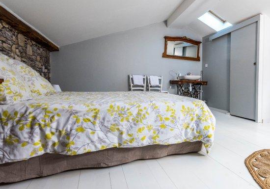 """Rions, Frankrijk: Chambre familiale duplex """"Dali"""""""