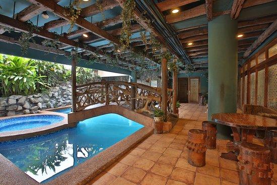 Crown regency residences updated 2019 prices hotel - Diamond suites cebu swimming pool ...