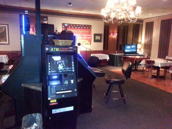 Lake Zurich, IL: gaming room