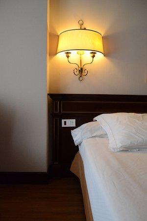Camera - Letto senza comodino - Picture of Hotel Miguel Angel by ...