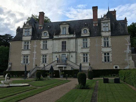 นอยเซย์, ฝรั่งเศส: Incantevole contesto